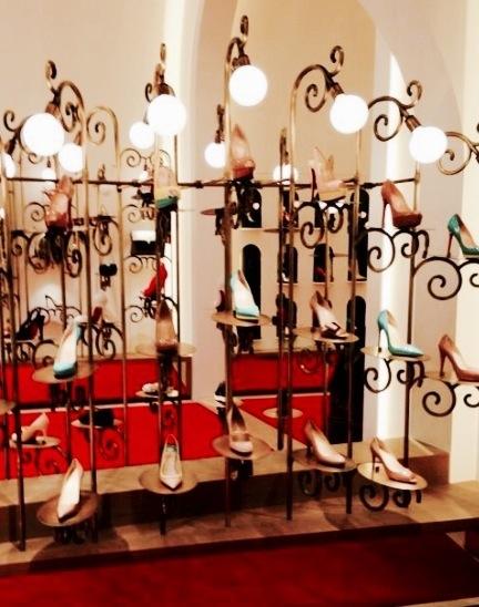 site réputé 95d1a 2d89e J'ai testé pour vous : la boutique Louboutin à Bruxelles ...